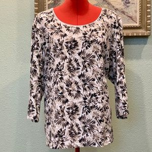 Karen Scott Woman abstract floral top in a size 3X